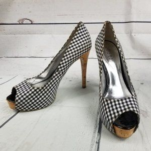 GUESS WGPATCHES9 gingham check peep toe heels 8M